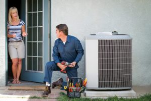 AC-technician-and-client